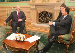 FT Brussels Blog: Berlusconi, a planetary man of politics, visits Belarus