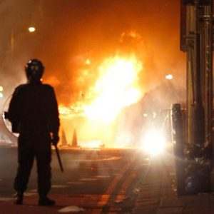 shops-and-cars-burn-in-antipolice-riot-in-london.jpg