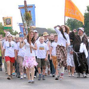 00-budslav-belarus-catholic-procession-09-07-13.jpg