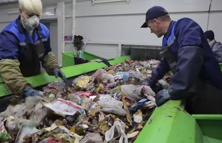 At a waste sorting facility near Minsk. Source: svaboda.org
